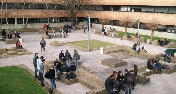 Université de Pau et des Pays de l'Adour - Site de Pau - Patio