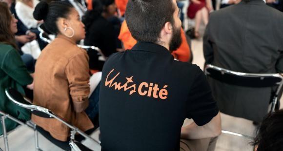 Service civique : les associations tirent la sonnette d'alarme sur la qualité du dispositif