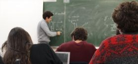 Université - Etudiants en  TD (Travaux dirigés) © CS-2013