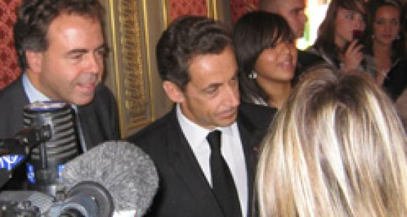 Luc Chatel, N. Sarkozy et une lycéenne