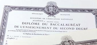 Fini les diplômes papier. Diplome.gouv.fr permettra d'obtenir des attestations en ligne. //©Fotolia