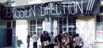 Les étudiants de l'École spéciale d'architecture réclament la démission du directeur. //©Sophie de Tarlé