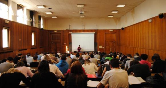 Université - Aix-Marseille - Campus Schuman à Aix-en-Provence - amphithéatre en droit - 2011 - ©C.Stromboni
