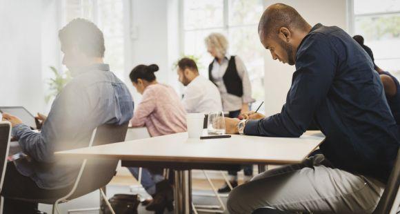Malgré un taux d'emploi des diplômés 2020 en baisse, le modèle des grandes écoles fait preuve de résilience