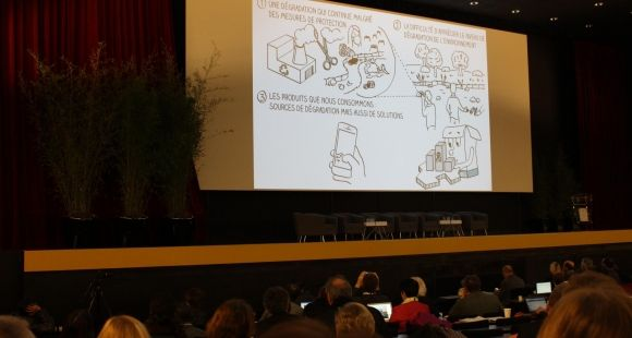 """le MOOC """"Consommer responsable"""", auquel participent des enseignants-chercheurs de l'Université Paris Ouest, a été présenté lors du colloque Eco-campus 3"""