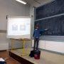 A l'université Toulouse 3 - Paul-Sabatier, Jean-François Parmentier utilise l'enseignement par les pairs pour rendre ses cours plus interactifs //©Frédéric Dessort