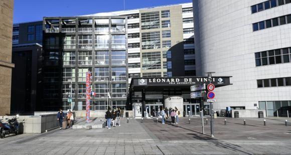 Le campus initial du PULV, à la Défense. //©Gilles Rolle/REA
