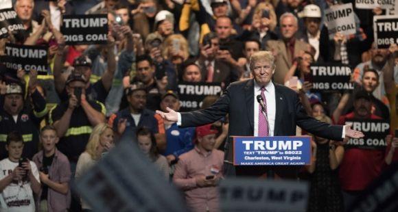 Donald Trump fait face à plusieurs procès d'étudiants qui estiment avoir été trompés sur le projet de la Trump University.