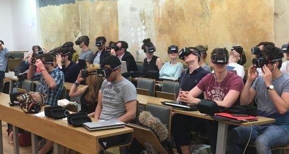 Neoma se met à la réalité virtuelle