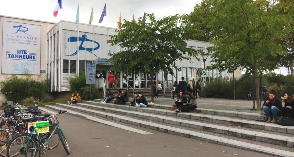 The University of Tours Strives to Serve Its Transgender Students