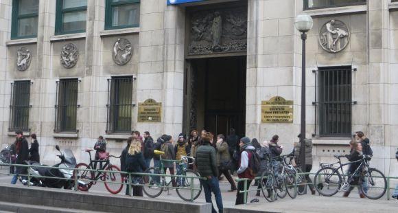 Environ 1.880 bacheliers ont voulu s'inscrire à Paris-Descartes en 2015, soit au moins 100 de plus qu'en 2014.