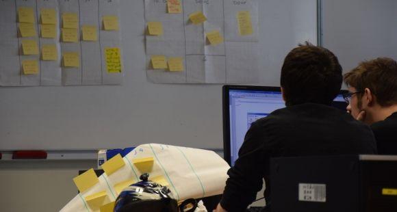 Étudiants des Mines de Douai lors d'un cours d'informatique mené avec une approche agile.