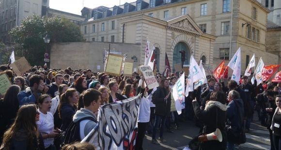 """Rassemblement devant le secrétariat d'État à l'Enseignement supérieur et à la Recherche jeudi 5 mars """"pour dénoncer la dégradation des conditions d'études et de travail"""""""