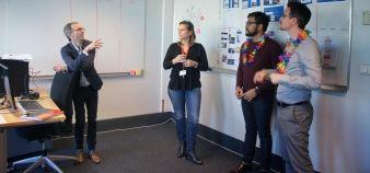 Pour transformer l'école de commerce rennaise, Pierre-Paul Cavalié (à gauche) a mis sur pied une Digital Factory : toutes les semaines, la petite équipe se réunit pour échanger sur les dossiers en cours. //©Céline Authemayou