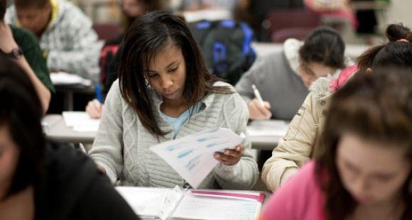 """Les """"early college"""" de Caroline du Nord permettent à des lycéens de prendre des cours universitaires. Ici, celui de Sandhoke"""