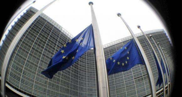La Commission européenne veut promouvoir le dispositif Erasmus+ à destination des enseignants-chercheurs.