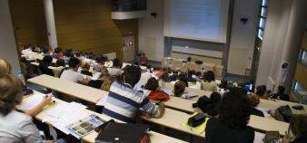 IEP de Lyon - amphi de première année - 2012 //©DR
