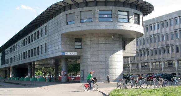 Université Lyon 1 – le Quai 43, batiment du service Icap © S.Blitman - mai 2013