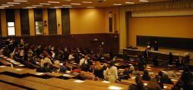 L'expérimentation que va lancer le ministère sur l'évaluation continue intégrale exclut une suppression de la seconde session d'examens. // Partiels à l'université d'Aix-Marseille. //©Camille Stromboni