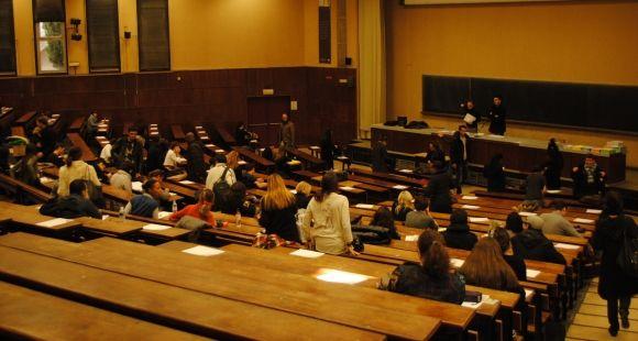 Amphi - partiels - université d'Aix-Marseille - Campus Schuman - 2011