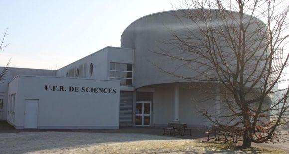 L'UFR Sciences et Technologies de l'université de Rouen se trouve sur le site du Madrillet.