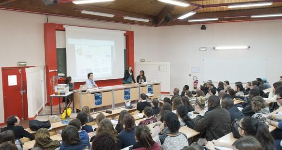 Amphi d'étudiants de l'université Paris-Est Créteil © UPEC / Nicolas Darphin