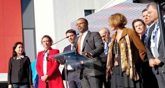 Le directeur de l'IMT Mines Albi-Carmaux, Narendra Jussien (au centre), lors de l'inauguration d'Innov'Action, en présence de la secrétaire d'État, Delphine Gény-Stephann, et de la maire d'Albi, Stéphanie Guiraud-Chaumeil, le 11 octobre 2018.