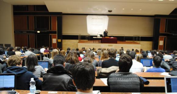 Université - amphithéatre - Paris2 - février2012 ©C.Stromboni