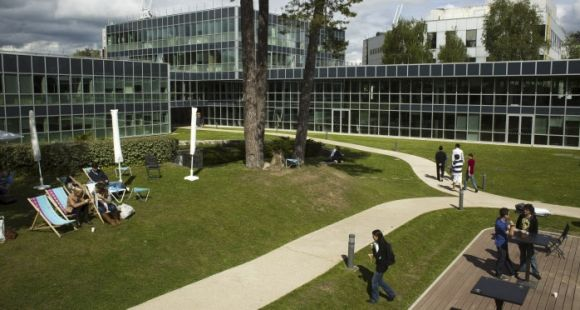 PAYANT - Insead