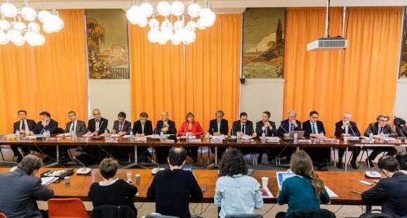 Grand messe pour la première conférence de presse orchestrée par Sylvie Retailleau, présidente de la Comue Université Paris-Saclay, le 19 février 2019, en présence de tous les membres.