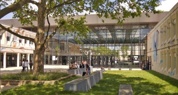 Paris 13 Nord - Extérieur Forum Villetaneuse - juin 2009