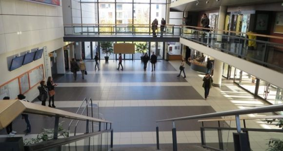 Hall de la fac de droit-éco-gestion de l'université d'Angers