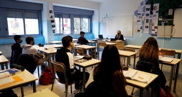 """Enseignants face à la crise sanitaire : """"C'est un cauchemar absolu"""""""