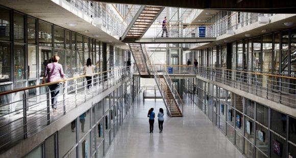 L'université Paris-Est Marne-la-Vallée que préside Gilles Roussel, comme toutes les universités françaises, restent fermées en présentiel jusqu'en septembre.