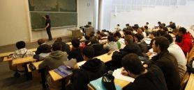 Le livre blanc préconise notamment de consacrer entre 1,5 et 3 milliards d'euros à l'accueil des étudiants. © UVSQ