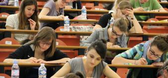 Le recrutement des grandes écoles est de moins en moins basé sur les connaissances académiques au profit de l'évaluation de la motivation et de la personnalité des candidats. //©©Camille Stromboni