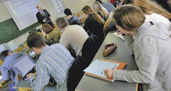 """Depuis 2011, l'académie de Besançon organise l'opération """"24h dans le supérieur"""" à destination des lycéens."""