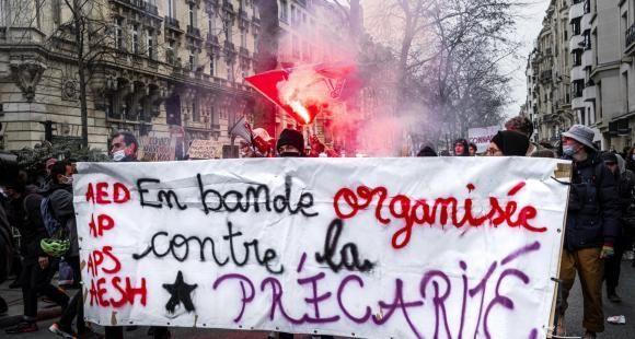 Des collectifs d'assistants d'éducation ont participé à la grève nationale du 26 janvier et manifesté pour dénoncer la précarité de leurs contrats.