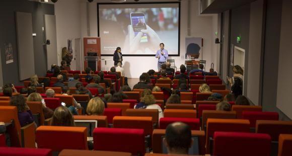 Benjamin Rey présente la startup Ilini lors du EdJobTech Day organisé par l'EM Lyon le 29 novembre 2018.