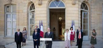 Les accords du Ségur de la santé, signées à Matignon en présence notamment de Jean Castex, Premier ministre, et Olivier Véran, ministre de la Santé, prévoient la revalorisation des rémunérations des externes et des internes en médecine. //©HAMILTON/REA