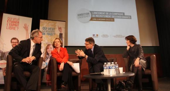 Geneviève Fioraso et Vincent Peillon (au centre) - ©A.Hamdi