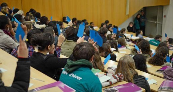 Des élèves de seconde  en résidence  à l'université de Cergy Pontoise