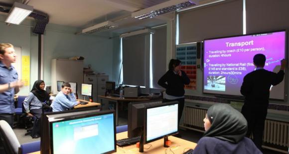 Tableaux blancs interactifs : reportage dans une community school londonienne