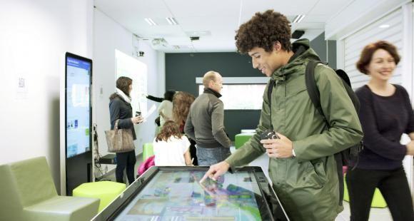 L'université de Montpellier a inauguré fin 2015 une fontaine numérique au sein de (S)pace.