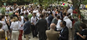 Every June, Sciences Po Alumni hosts a 1,000-person garden party. // © Isabelle Morison