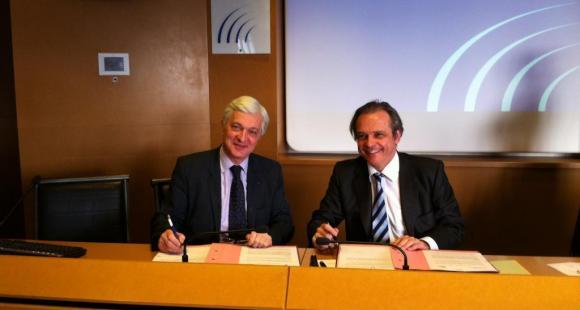 Julien Roitman et Louis Vogel ont signé, le 6 décembre 2012, un accord-cadre en IESF et la CPU.