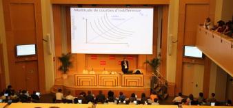 Sciences po Paris - Amphi Boutmy - cours d'économie - octobre 2012 - ©C.Stromboni