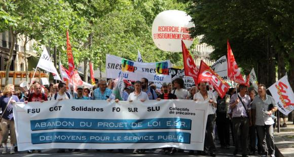 Manifestation-intersyndicale-loi-ESR-Sénat-18-juin-2013-©C.Stromboni