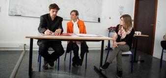 Représentation de théâtre-forum organisée à l'UTBM en novembre 2013 par Evolutionnelles © Francois Jouffroy / UTBM
