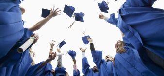 En 2014, un tiers de la population adulte de l'OCDE était diplômée de l'enseignement supérieur. //©PlainPicture / Fancy Images